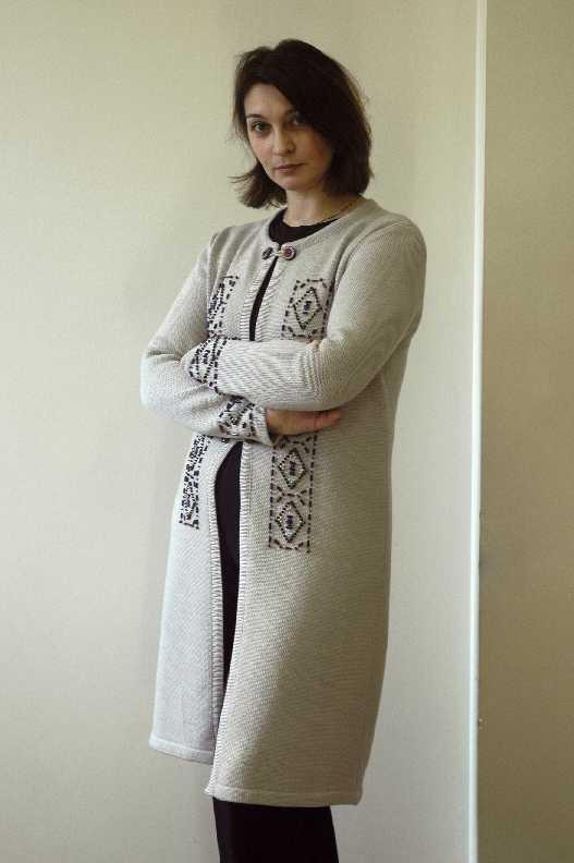 Пальто с вышивкой бисером